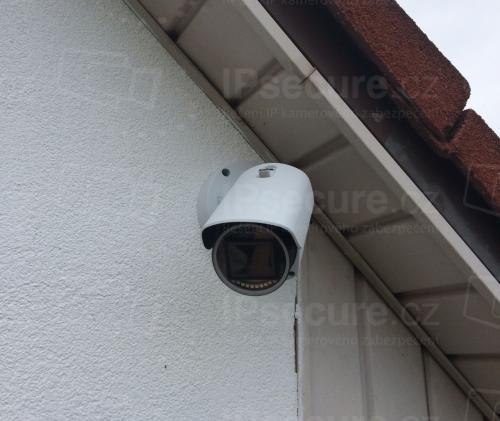 Instalace IP kamery SONY SNC-EB632R pod střechu rodinného domu