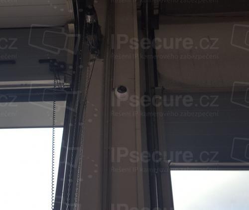 Instalace kamery VIVOTEK FD8169A v průmyslovém objektu
