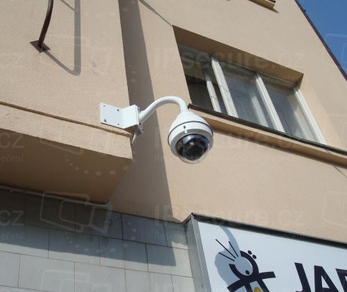Instalace IP kamery SONY SNC-ER580/OUTDOOR na roh domu