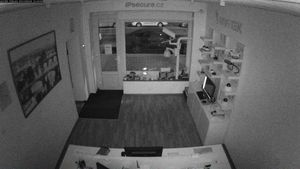 Záběr IP kamery VIVOTEK FD8163 - noc bez přísvitu